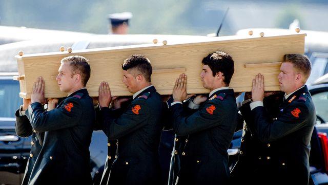 Les corps des victimes néerlandaises du crash sont de retours aux Pays-Bas. [Robin van Lonkhuijsen - ANP/AFP]
