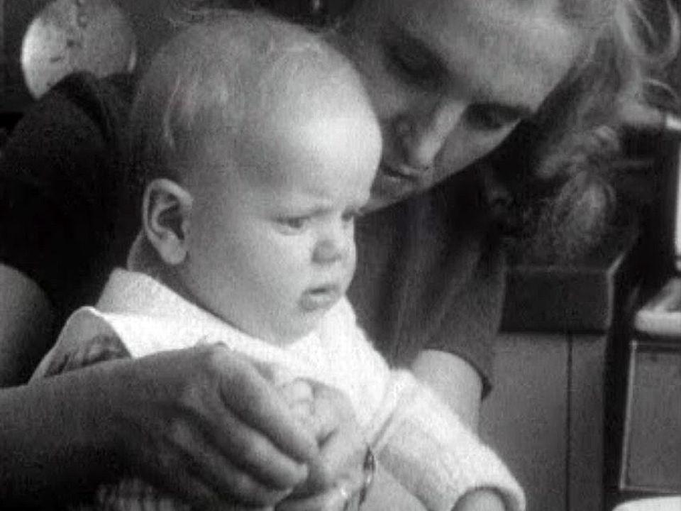 Le quotidien de Micheline, mère de famille, dans la banlieue parisienne. [RTS]