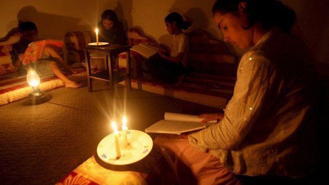 Les habitants de Gaza sont à nouveau confrontés aux coupures d'électricité. [Mohammed Saber - Keystone]