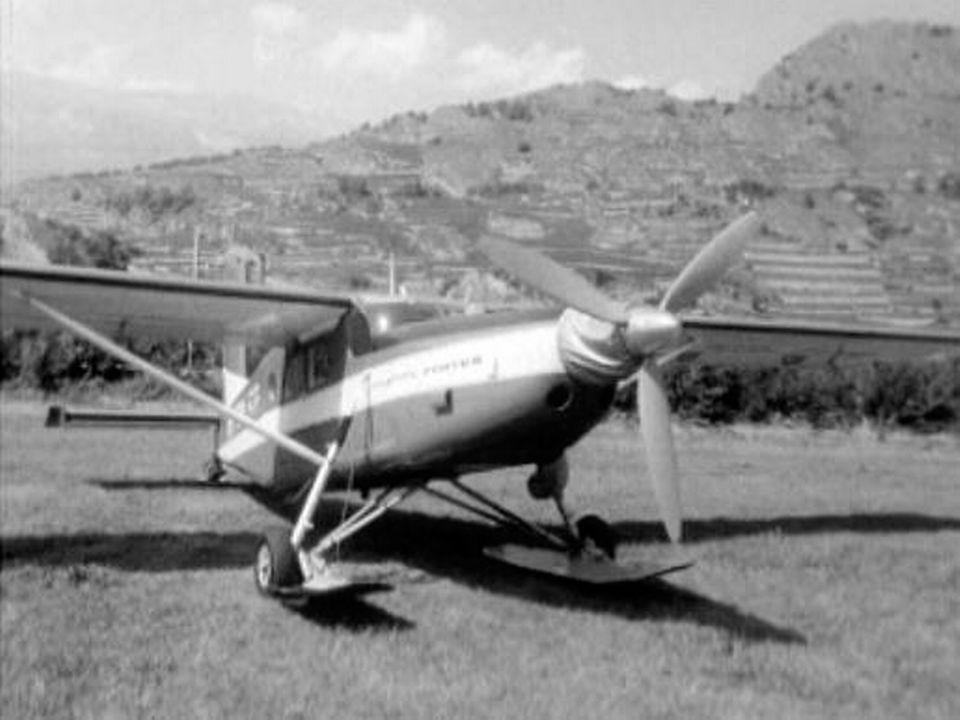 Les obsèques d'Hermann Geiger, le pilote des glaciers. [RTS]