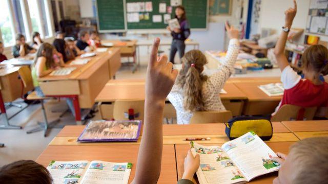 L'apprentissage du français à l'école primaire est souvent contesté en Suisse alémanique. [Georgios Kefalas - Keystone]