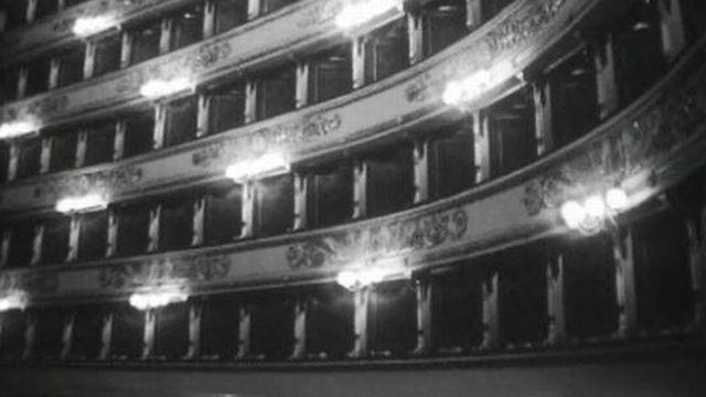 Dans les coulisses du prestigieux théâtre lyrique. [RTS]