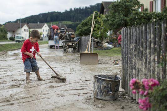 En termes de pluie, la Suisse a connu l'un des pires mois de juillet depuis 150 ans. [Ennio Leanza - Keystone]