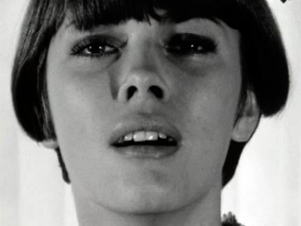 Mireille Mathieu interprète: Je ne suis rien sans toi. [RTS]