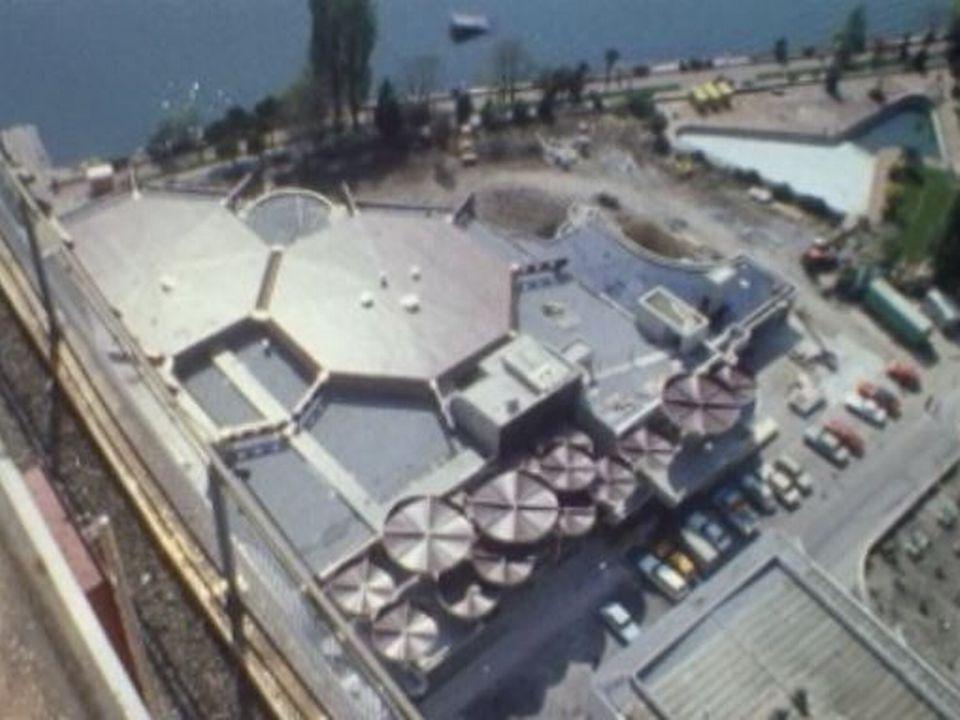 Le nouveau casino de Montreux en 1975. [RTS]
