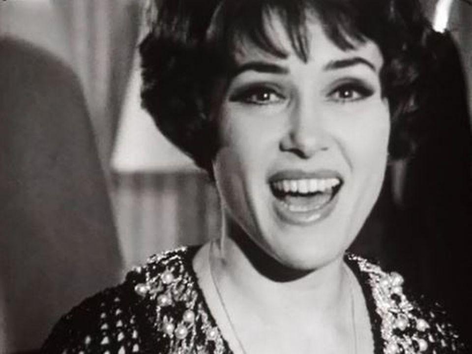 Rika Zaraï chante: Sans connaître la musique. [RTS]