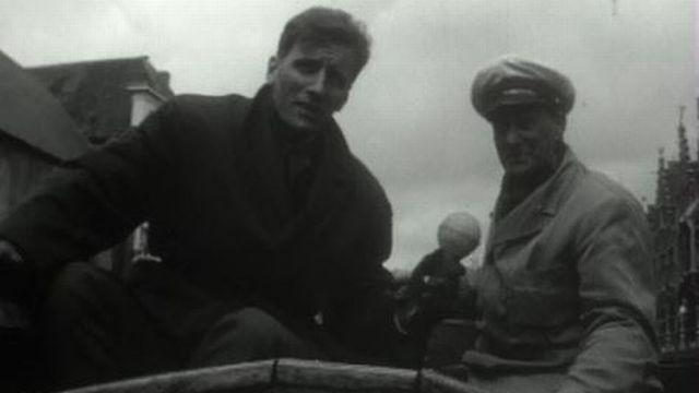 Balade en 1963 dans les rues et les canaux de la ville de Bruges. [RTS]