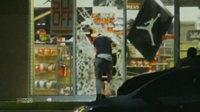 Pillage de magasin dans la banlieue de Saint-Louis aux Etats-Unis [RTS]