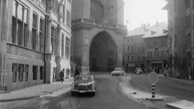 A la fin des année 60, la circulation en ville est déjà difficile. [RTS]