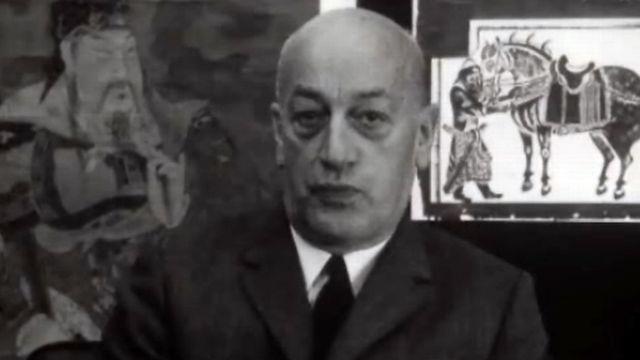 Le journaliste Fernand Gigon, spécialiste de la Chine. Temps Présent du 7 novembre 1969. [RTS]
