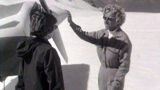 Sonya Hertig fut la première femme pilote des glaciers. [RTS]
