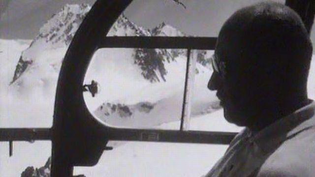 Portrait de l'un des as de l'aviation valaisanne. [RTS]