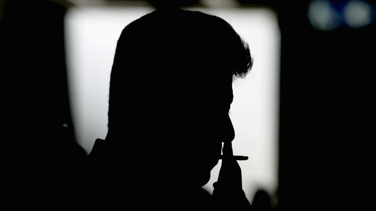 La fumée pourrait être prohibée jusque dans les appartements... [Jason Lee - Reuters]