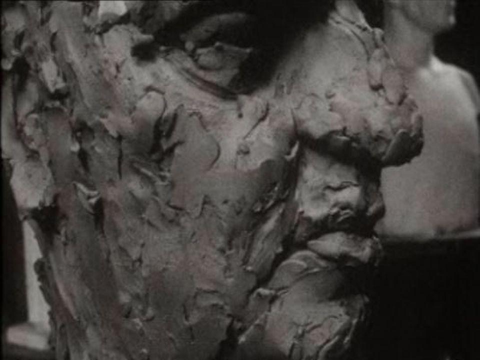 Buste de Fellini réalisé par Assan Peikov en 1966. [RTS]