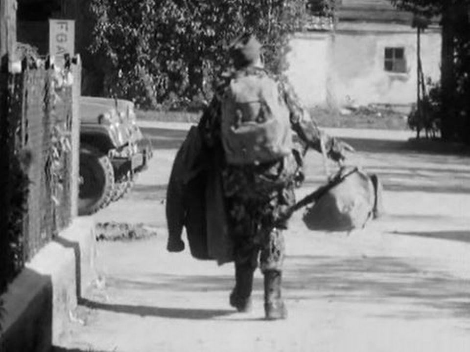 Que pensent les épouses de soldats restées au foyer? [RTS]