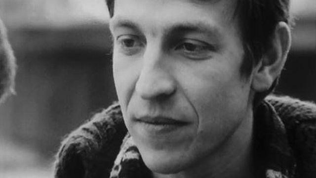 Henri Dès interprète sa chanson: les frangins de la nuit. [RTS]