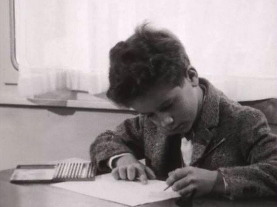 Témoignage et analyse d'un psychologue sur les peurs enfantines. [RTS]