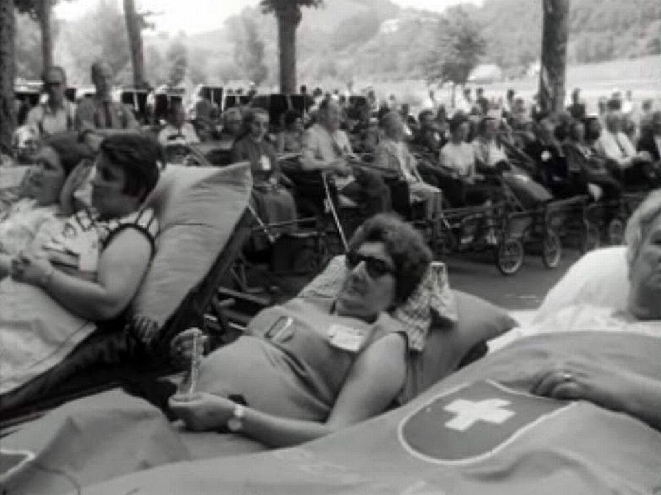 Des malades de Suisse romande accomplissent le voyage à Lourdes. [RTS]