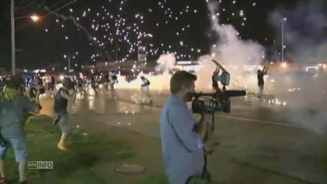 Nuit d'émeutes et de pillages à Ferguson (USA) [RTS]