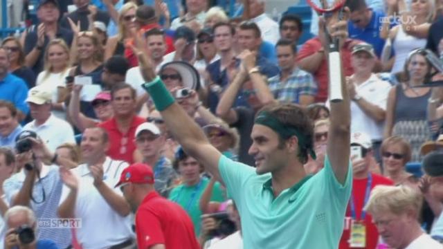 Finale: David Ferrer (ESP)  -  Roger Federer (SUI). 3e manche: 3 balles de match pour le suisse qui s'impose 6-3 1-6 6-2 [RTS]