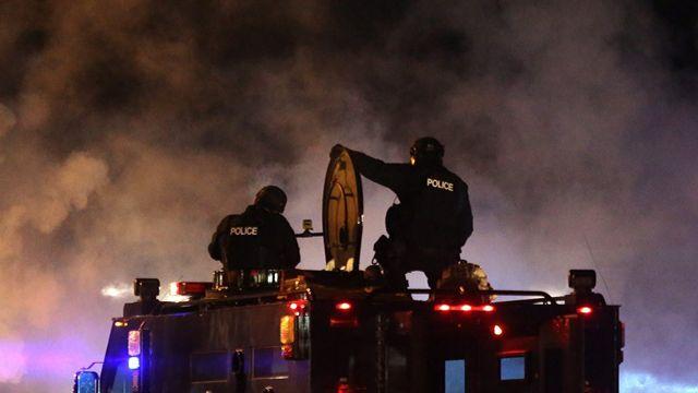 Le gouverneur du Missouri a décidé de faire appel à la Garde nationale pour ramener le calme à Ferguson. [EPA/Ed Zurga - Keystone]
