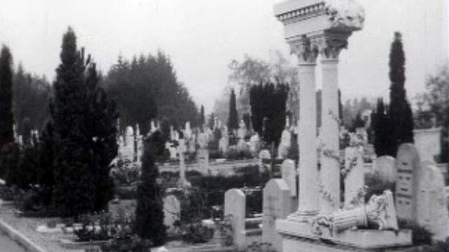 Le temps de la Toussaint et du recueillement au cimetière.
