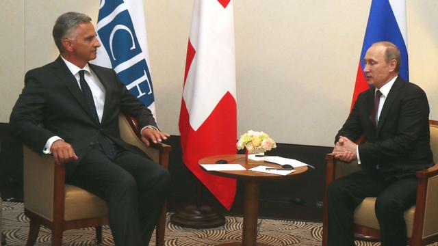 Didier Burkhalter a rencontré Vladimir Poutine à Vienne en tant que président de l'OSCE. [Ronald Zak - AP Photo - Keystone]