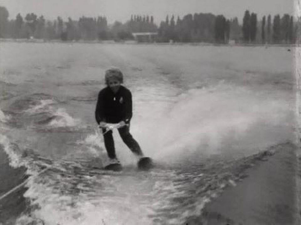 La quadruple médaillée d'or de ski nautique s'entraîne à Vidy. [RTS]
