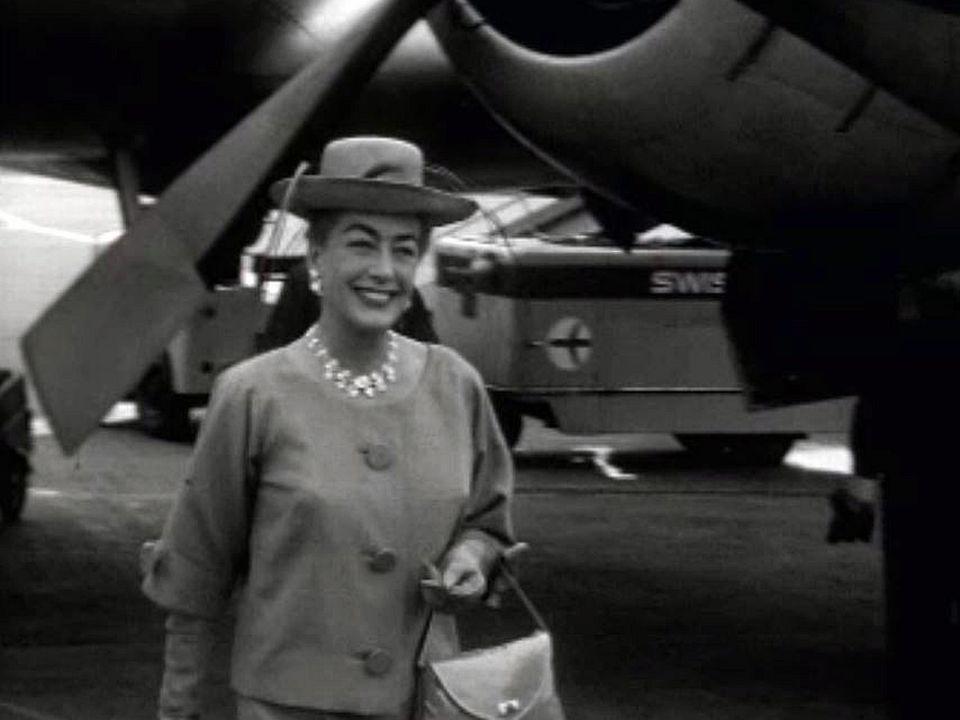 La visite en Suisse de la légendaire actrice Joan Crawford.