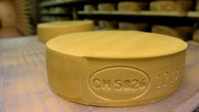 L'embargo russe semble profiter notamment au fromage suisse. [Carlo Reguzzi - Keystone]