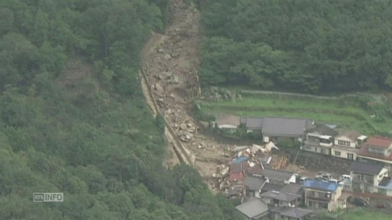 Impressionnants glissements de terrain au Japon [RTS]