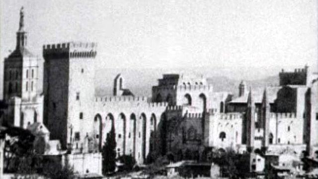 La ville d'Avignon, aux portes de la Provence.