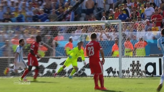 «Parade de l'année»: Diego Benaglio (Wolfsburg-ALL), pour son arrêt contre l'Argentine [RTS]
