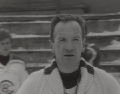 Gaston Pelletier, entraîneur du Hockey Club La Chaux-de-Fonds en 1968.