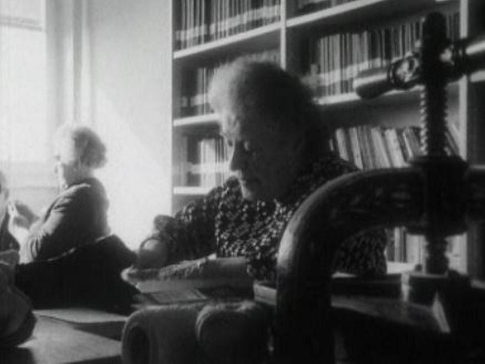 Le troisième âge en maison de retraite, 1968. [RTS]