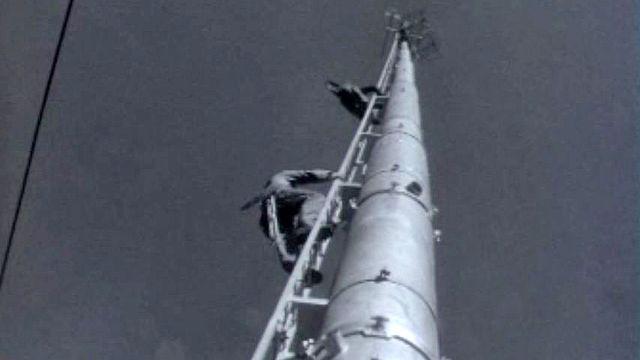 Les PTT installent un nouvel émetteur dans la région du Simplon. [RTS]