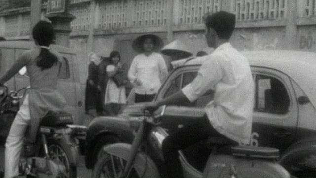 Dans les rues de Saïgon [TSR 1968]