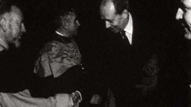 Le prince du Lichtentstein reçu à la confrérie du Guillon. [RTS]