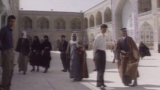 Une mosquée en Irak en 1993 [RTS]
