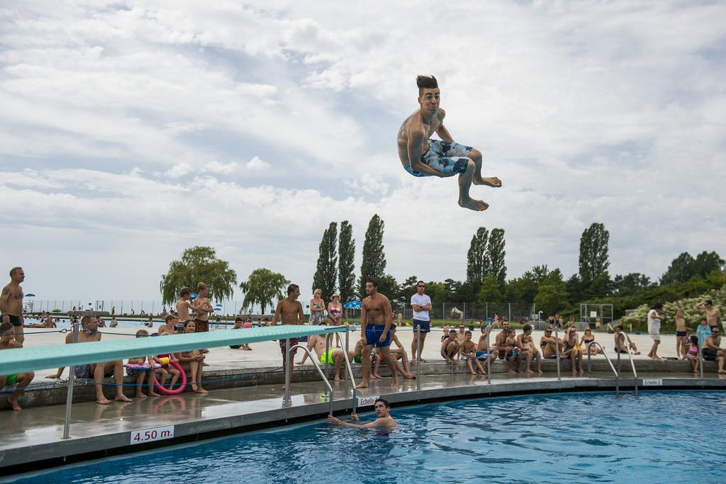 Les piscines romandes dressent un bilan maussade de l 39 t for Bellerive lausanne piscine