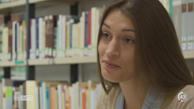 Coût des études à Genève: portrait d'une étudiante en philosophie qui doit allier études et petits boulots [RTS]