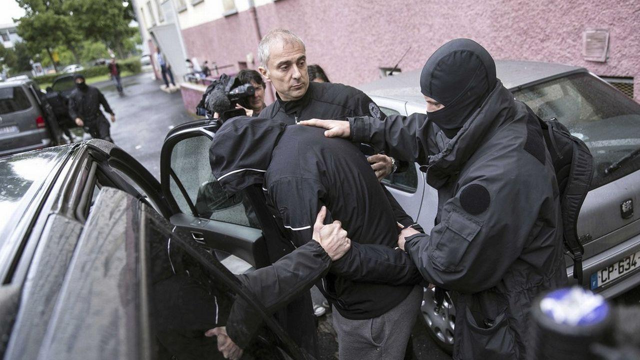 Les interpellations liées au djihad se multiplient en France. [AP Photo/Jean Francois Badias]
