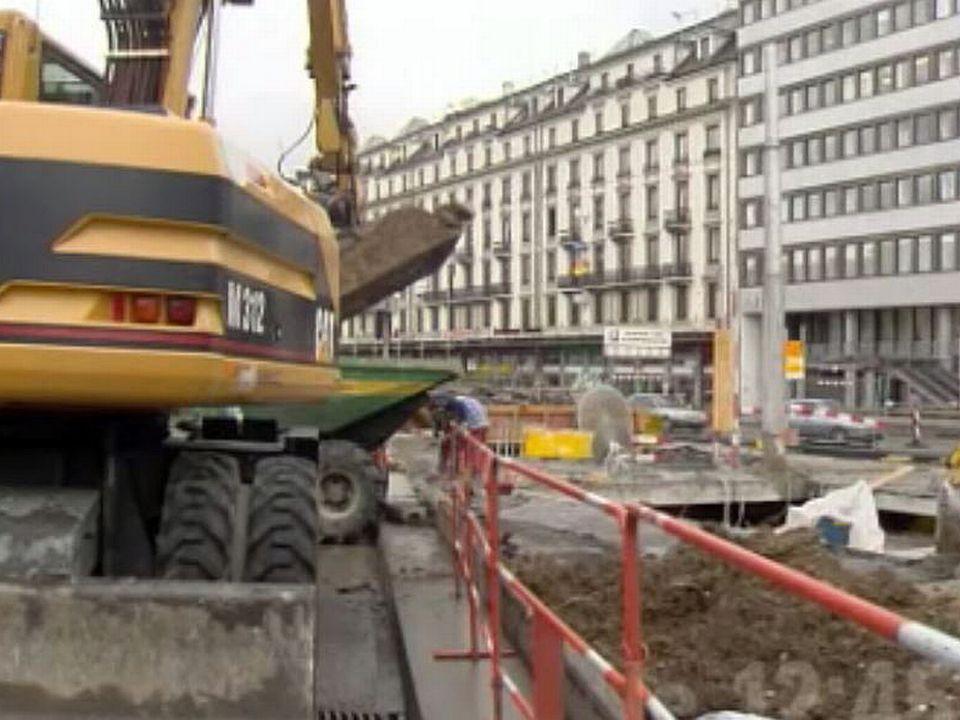 Les chantiers du tram perturbent la circulation en ville de Genève.