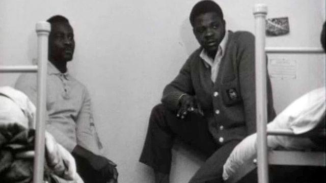 """Enquête sur la nouvelle forme de """"traite des Noirs"""" à Paris. [RTS]"""