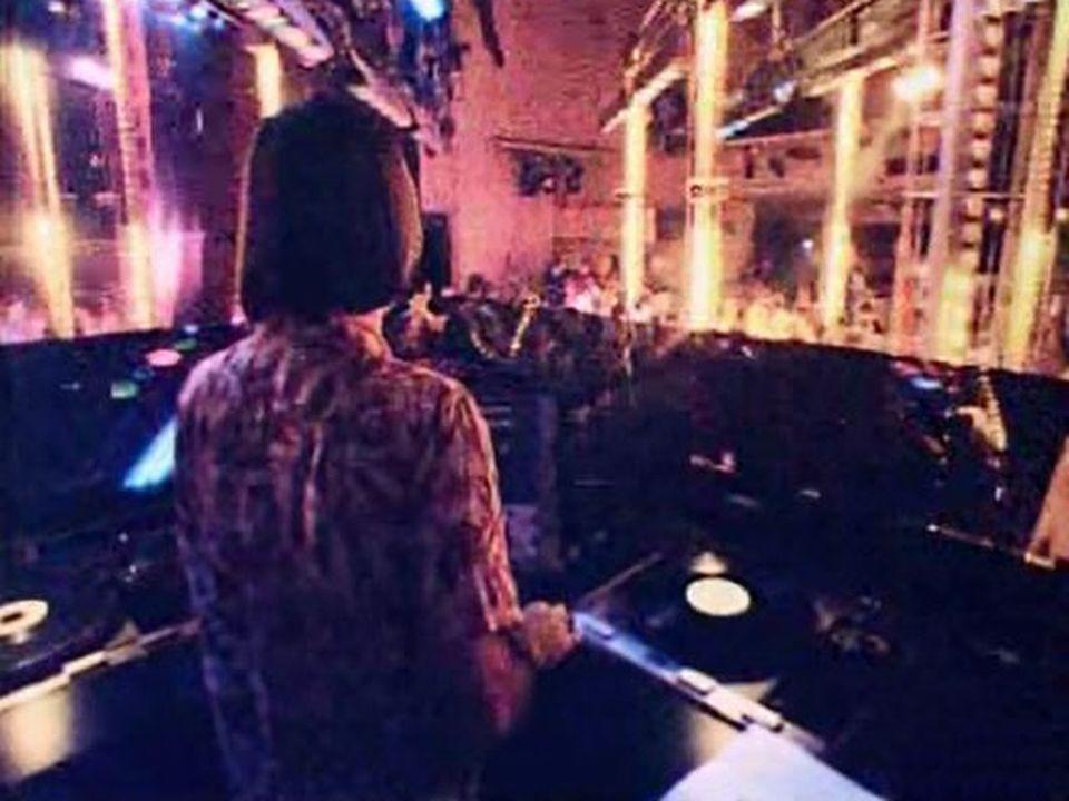 Entrez dans le temple du disco à New York, le fameux club 54. [RTS]