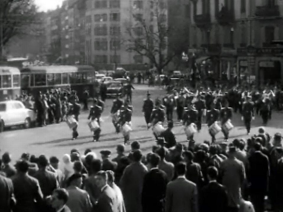 Le défilé du corps de musique l'Elite dans la ville de Genève.