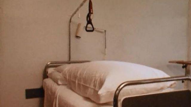Récits hospitaliers à l'hôpital régional de Porrentruy. [RTS]