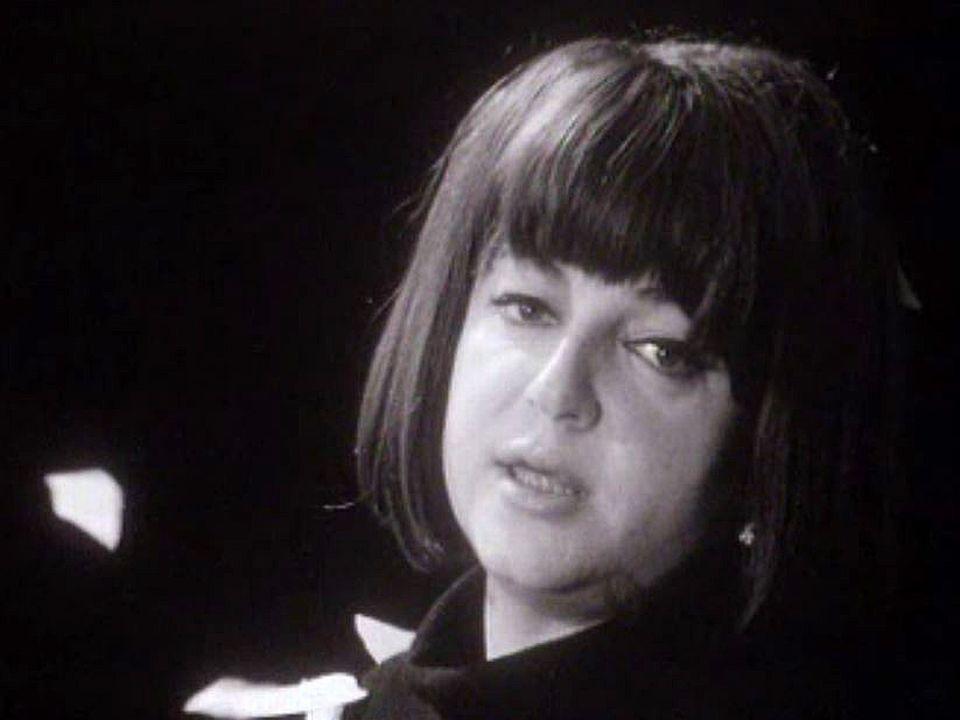 Régine est l'invitée des archives de la TSR. Retour en 1966.
