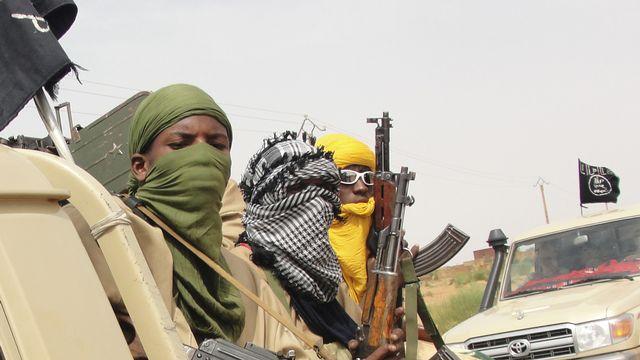 Des membres d'Ansar Dine à Kidal, au Mali, pendant l'opération Serval menée par la France. [AFP]