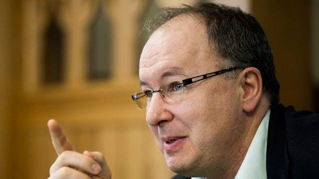 Selon P.-Y. Maillard, l'autorité de surveillance pourrait imposer un plan d'assainissement fin 2013. [Jean-Christophe Bott - Keystone]